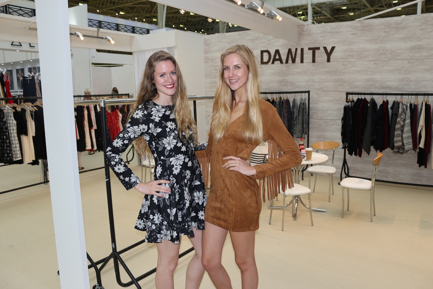 Exhibition Girls Staffing Agency Models for Bookings