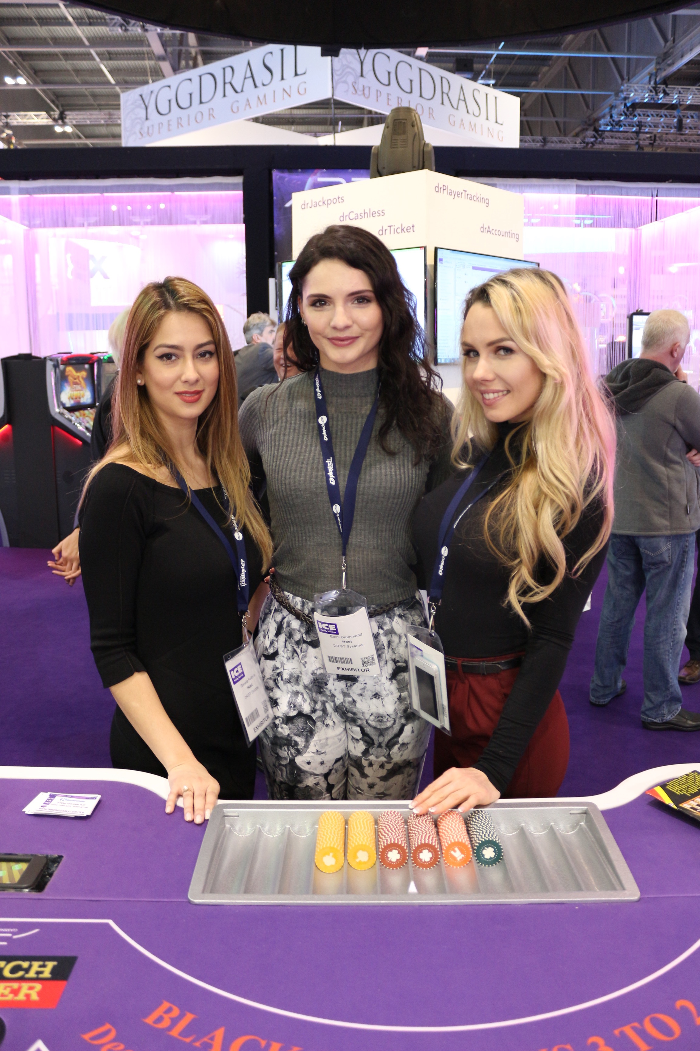 Promo Girls working with Exhibition Girls