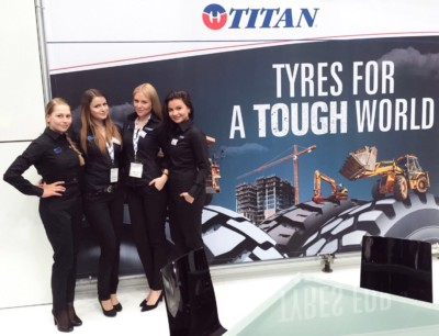 Exhibition Girls at Automechanika